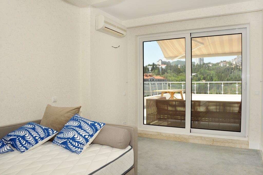 Современные 3-х комнатные апартаменты с лучшим видом на море и город 24