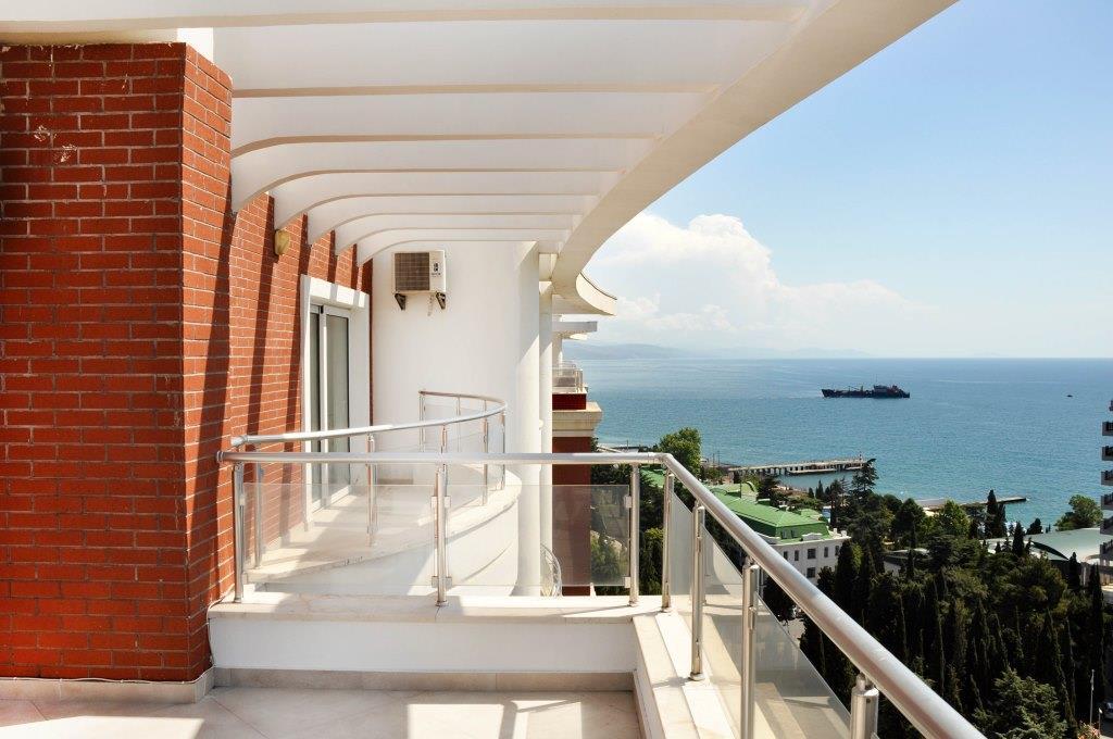 Современные 3-х комнатные апартаменты с лучшим видом на море и город 27