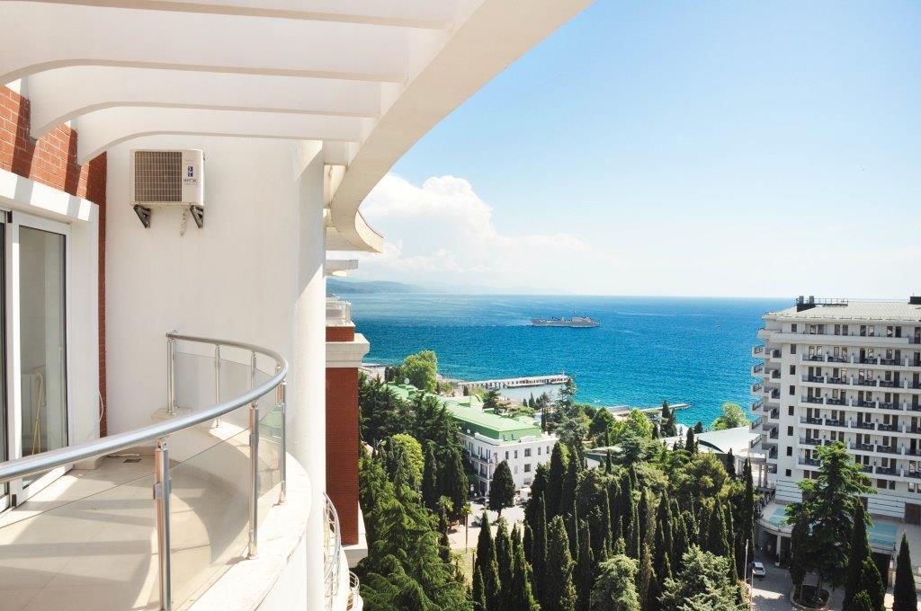 Современные 3-х комнатные апартаменты с лучшим видом на море и город 29
