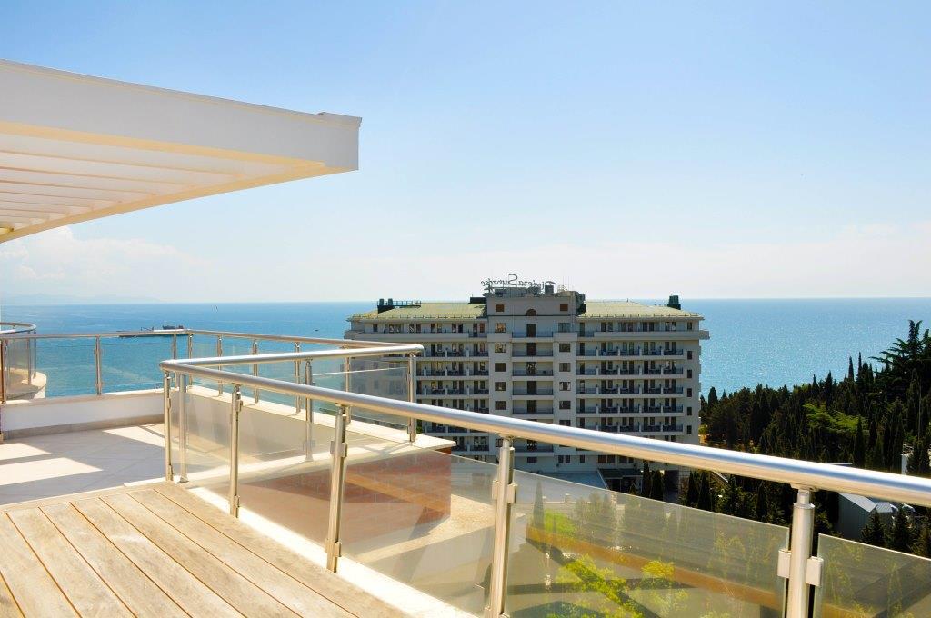 Современные 3-х комнатные апартаменты с лучшим видом на море и город 3