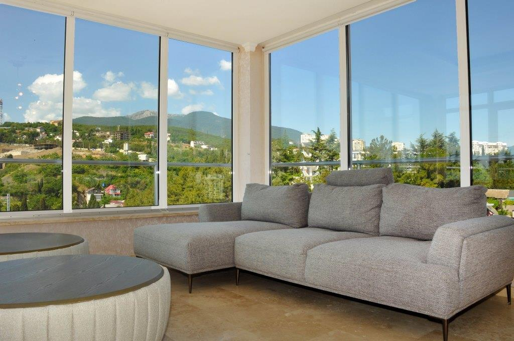 Современные 3-х комнатные апартаменты с лучшим видом на море и город 1