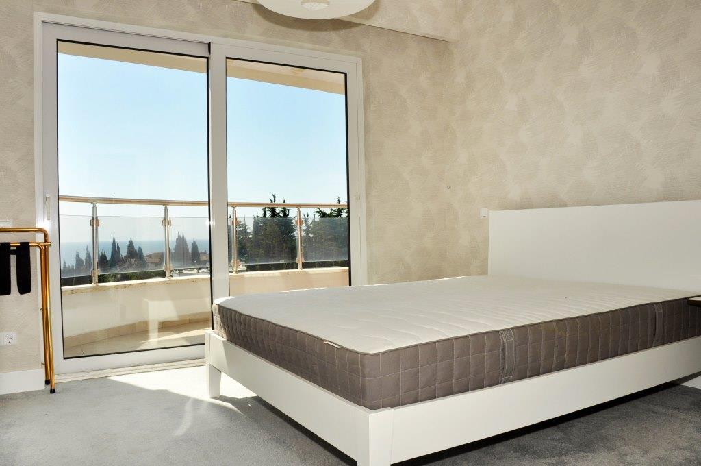 Современные 3-х комнатные апартаменты с лучшим видом на море и город 21