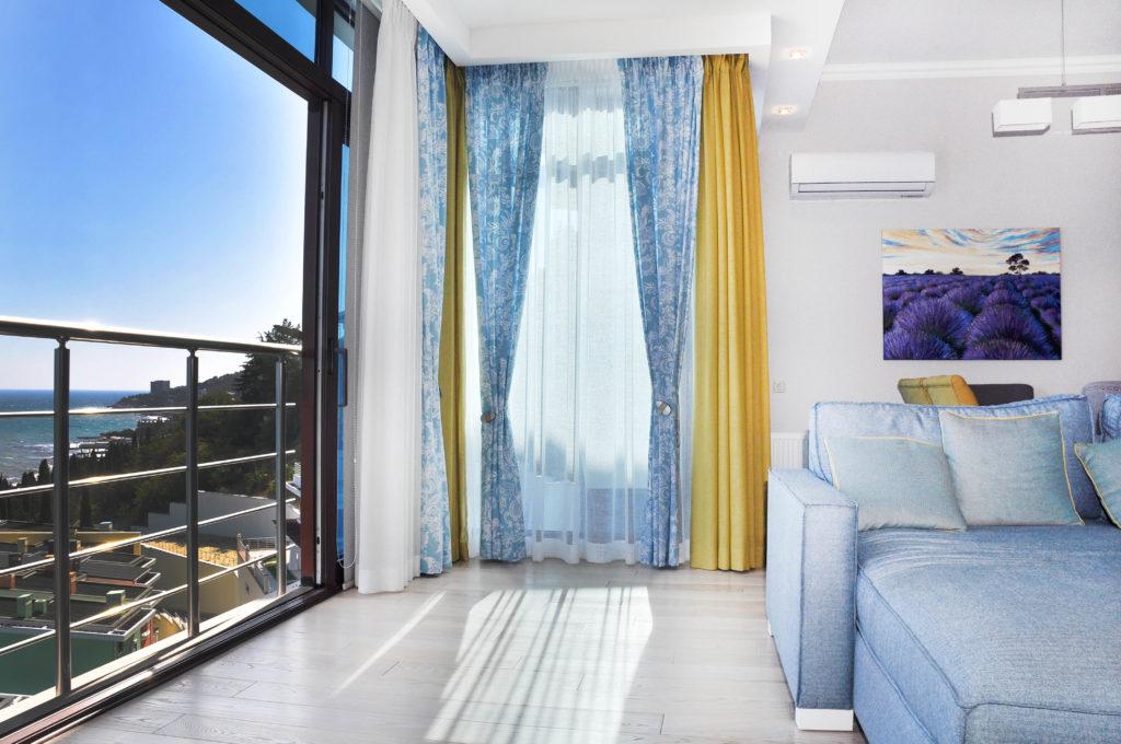 Двухуровневые панорамные апартаменты 4