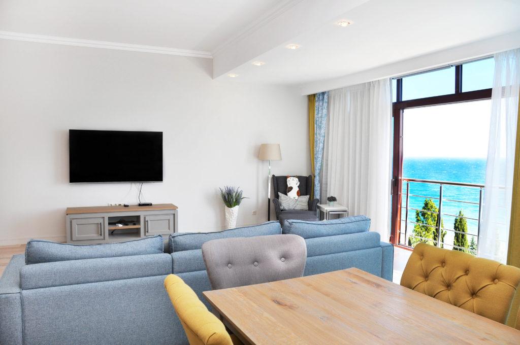 Двухуровневые панорамные апартаменты 1