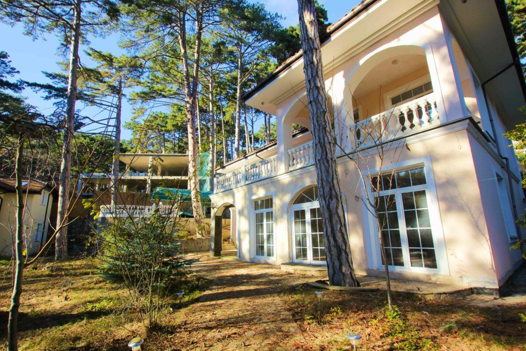 Двух этажный дом в закрытом посёлке Горный 7