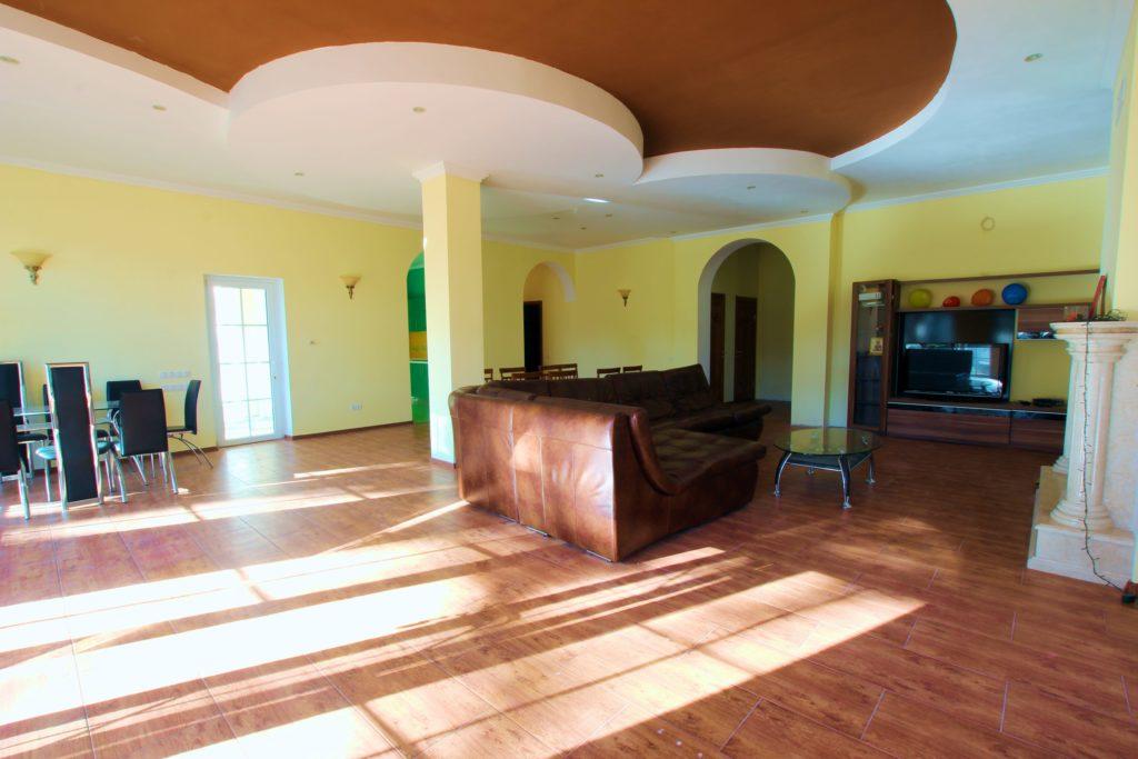Двух этажный дом в закрытом посёлке Горный 11
