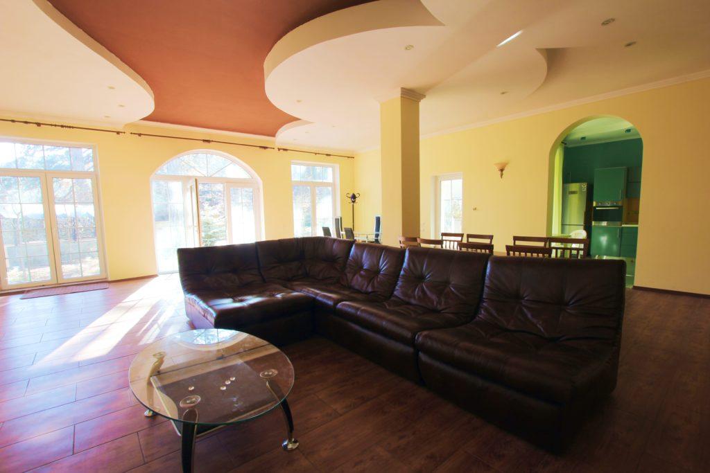 Двух этажный дом в закрытом посёлке Горный 12