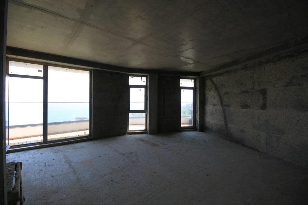 Квартира свободной планировки в ЖК Коста Мисхор 4