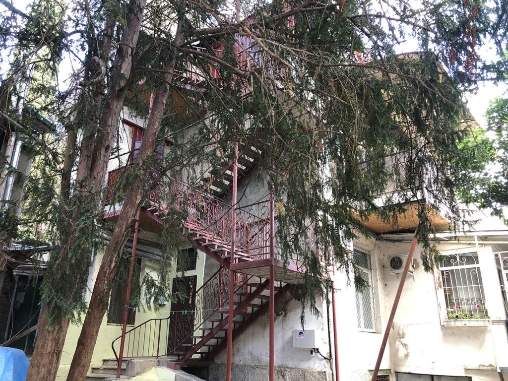 Продается квартира в центре Ялты 5