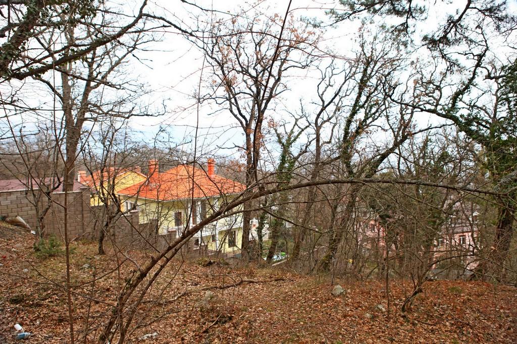 Продается земельный участок 12 соток в п Горное 5
