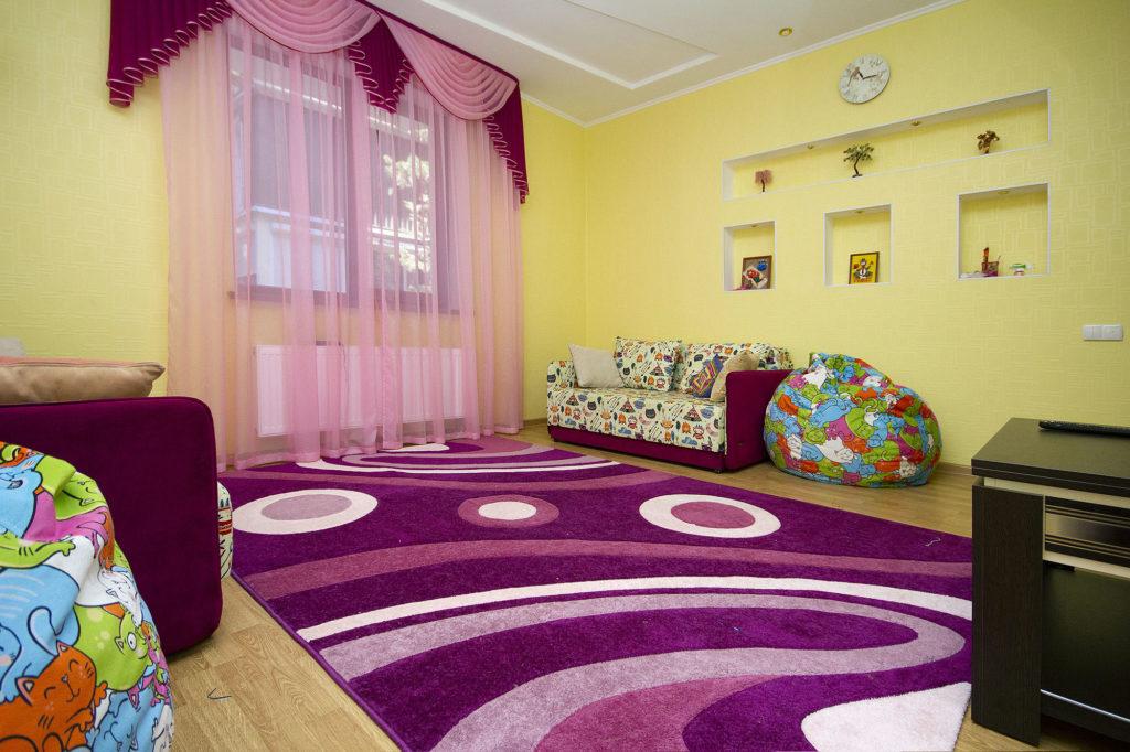 3-х комнатная квартира на Володарского 4