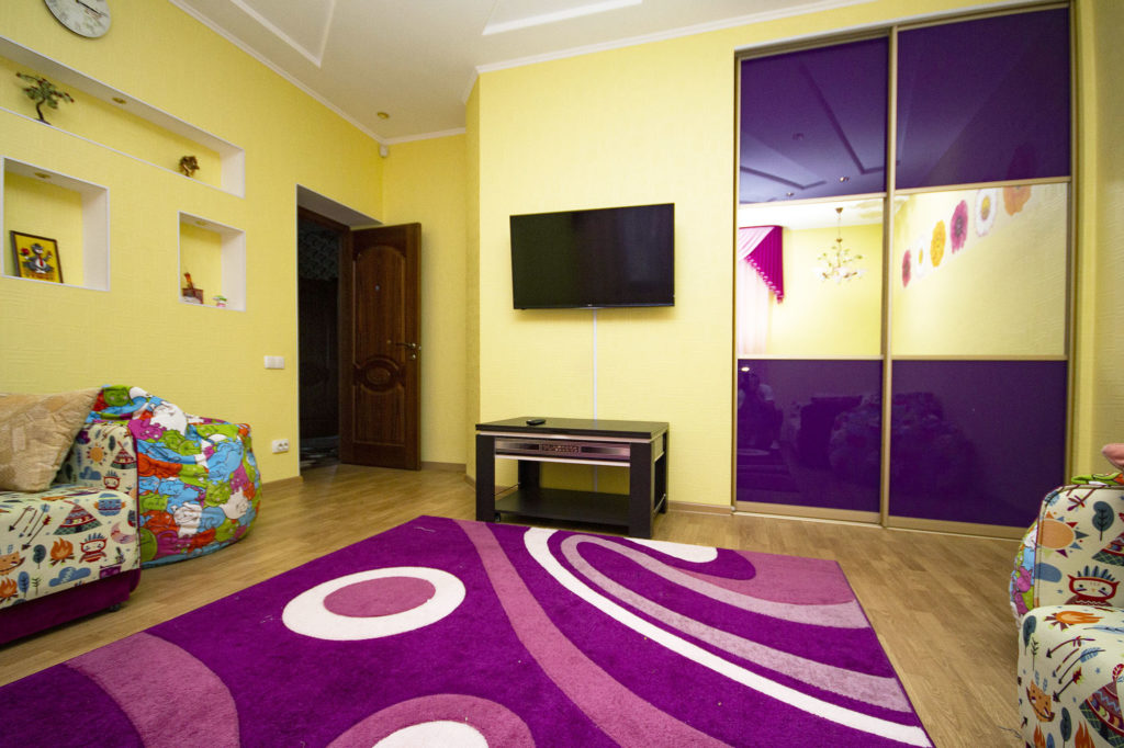 3-х комнатная квартира на Володарского 5