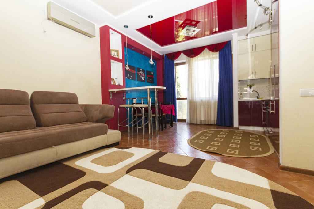 3-х комнатная квартира на Володарского 9