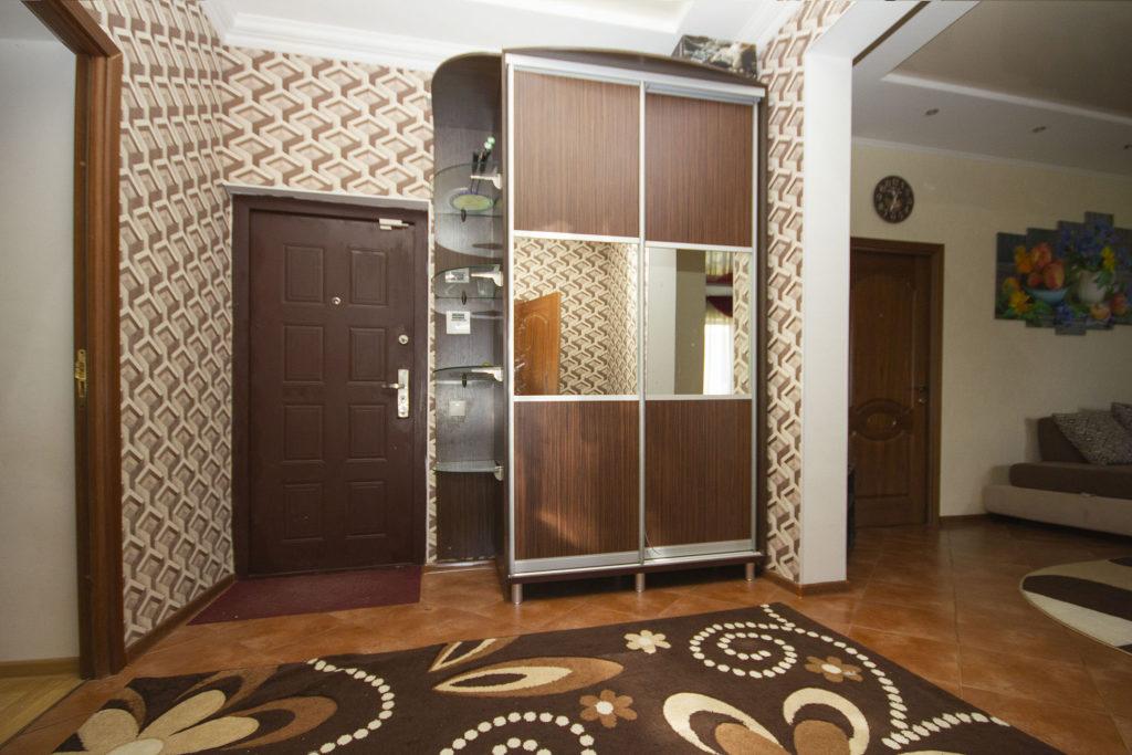 3-х комнатная квартира на Володарского 14