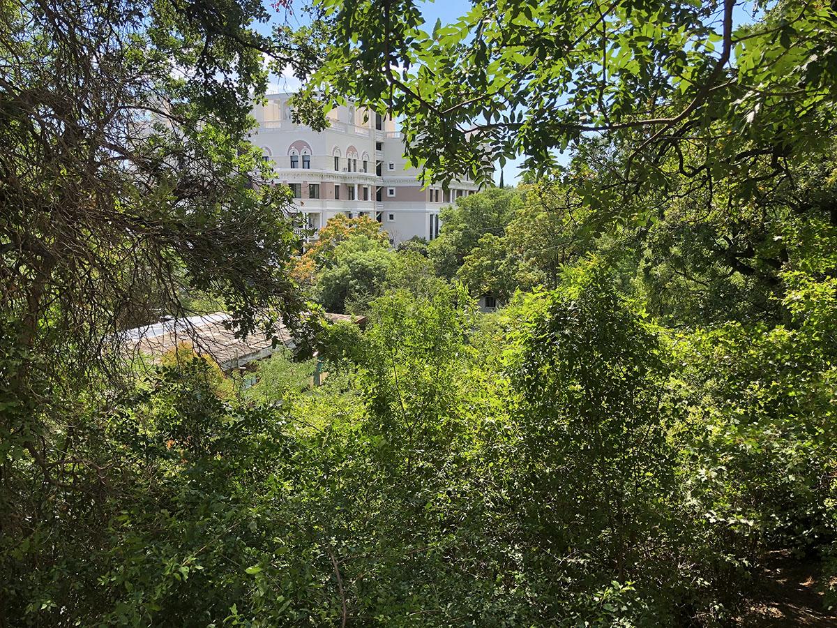 Продается земельный участок 9,5 соток в Ливадии 1