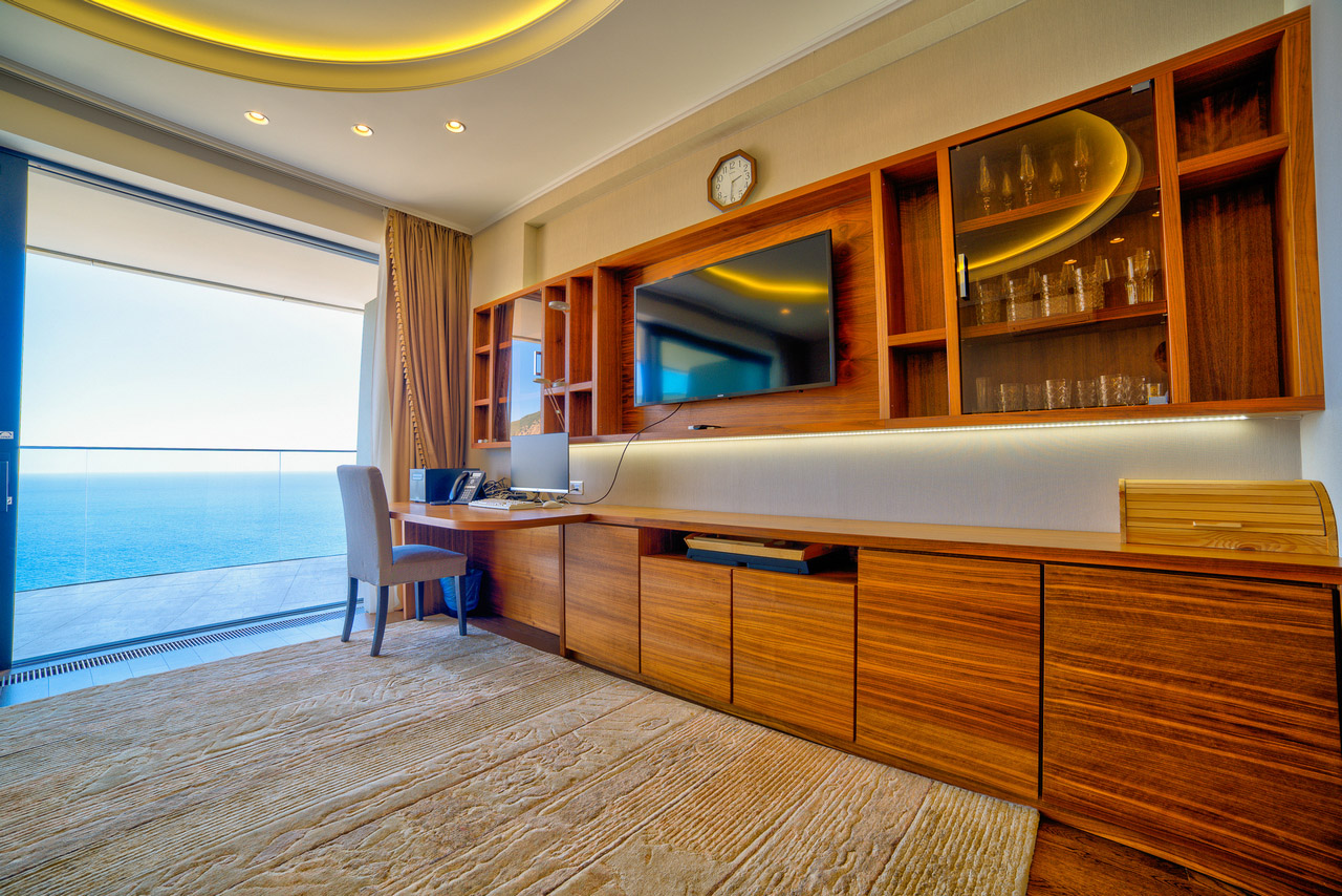 Апартаменты с прямым видом на море и с ремонтом 1