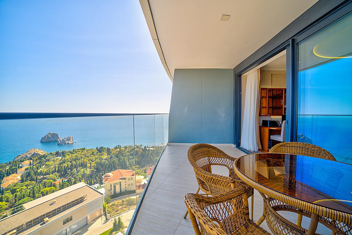 Апартаменты с прямым видом на море и с ремонтом 6