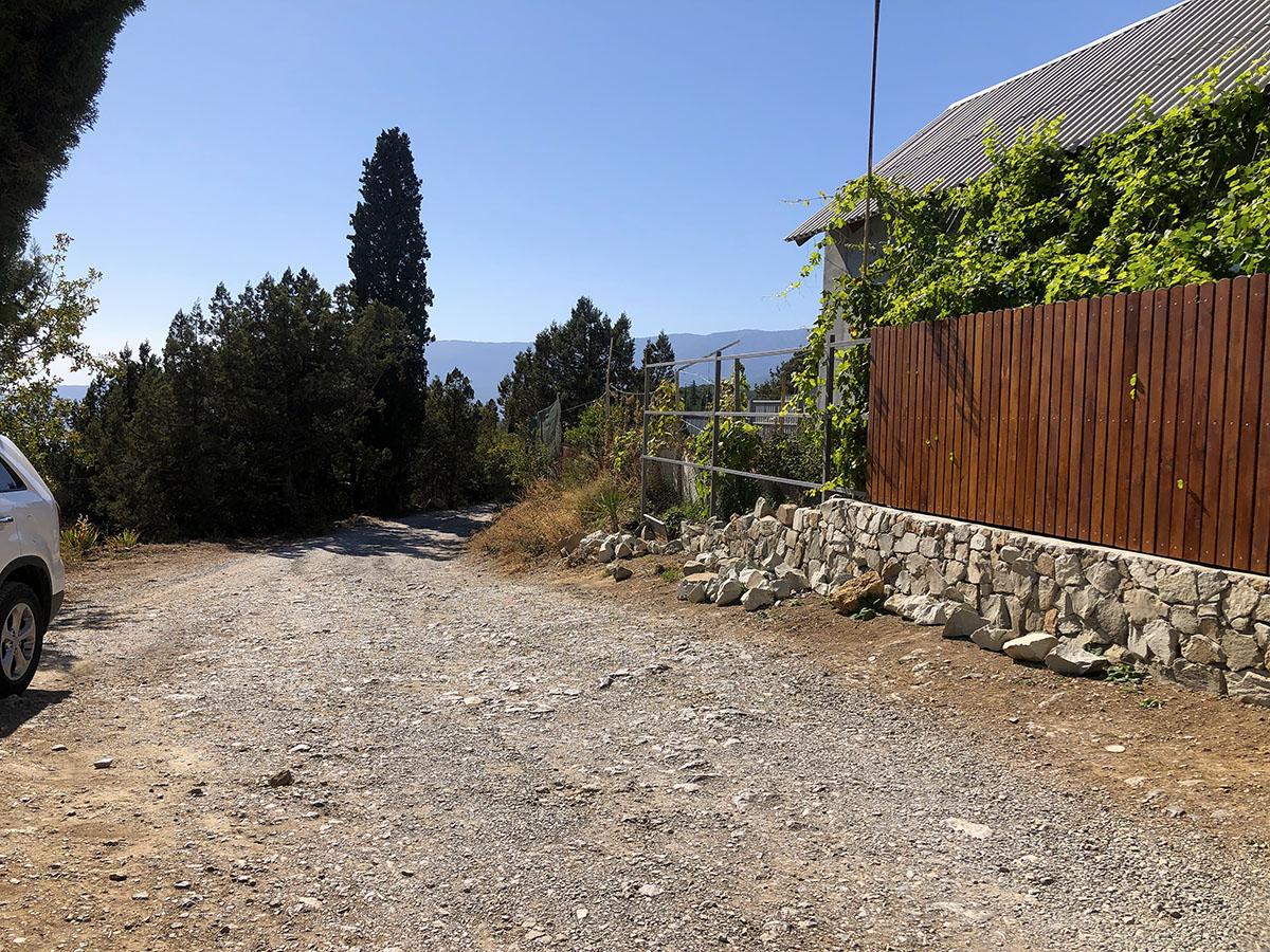 Продается земельный участок 5 соток в окружении кипарисов 3