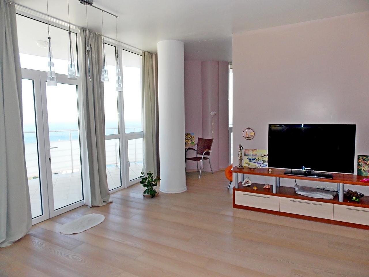 Квартира с ремонтом в пгт.Гурзуф ЖК Белый Дом 1