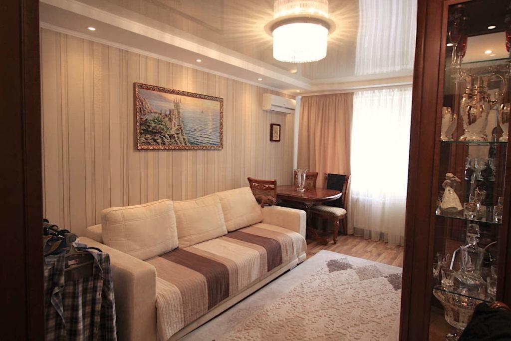 Трех комнатная квартира с ремонтом в жилом районе 8
