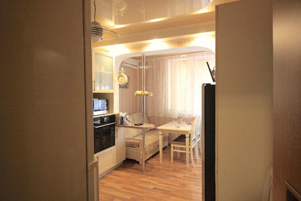 Трех комнатная квартира с ремонтом в жилом районе 1