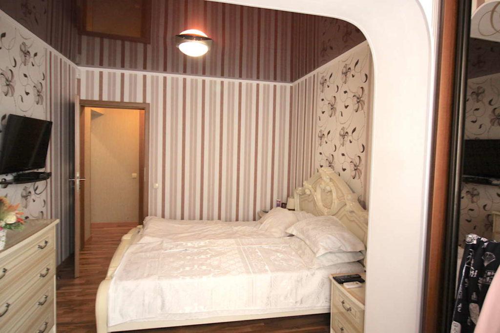 Трех комнатная квартира с ремонтом в жилом районе 4
