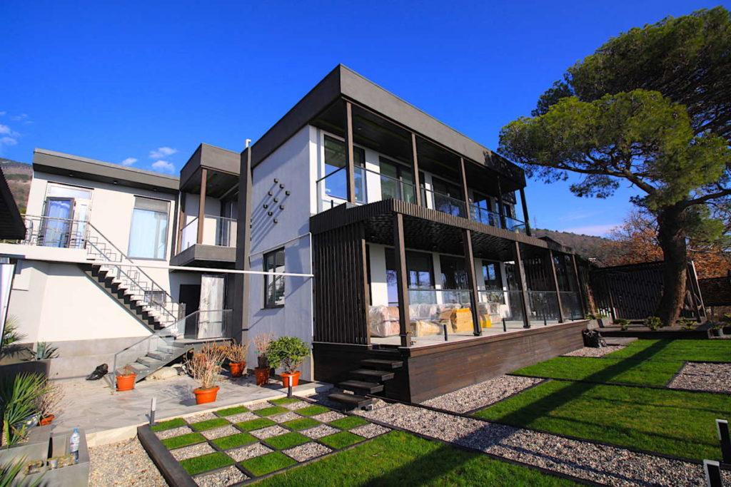 Дизайнерский дом в Ялте с коммерцией 1