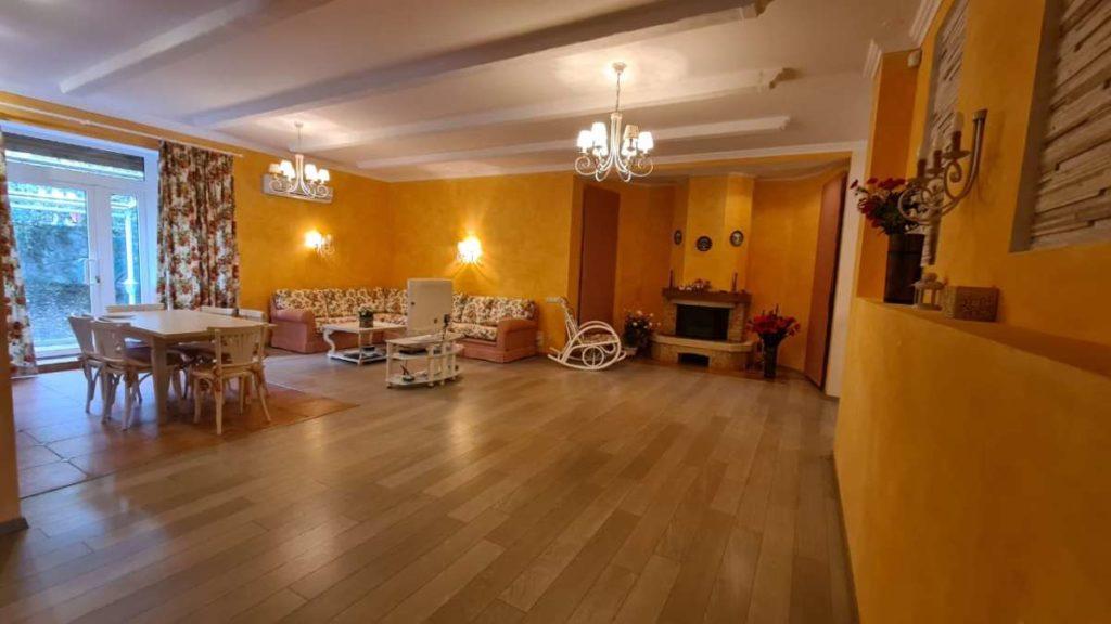 Дом с дизайнерским ремонтом в пгт.Горный 4