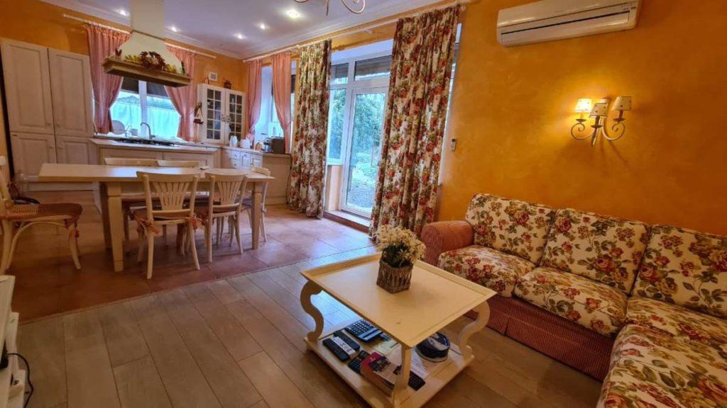 Дом с дизайнерским ремонтом в пгт.Горный 7