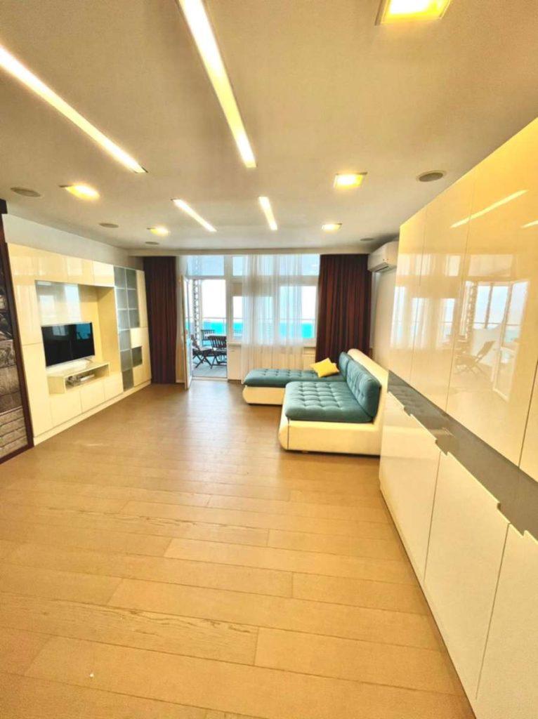 Апартаменты с видом и ремонтом в ЖК Лазурный Элит 8