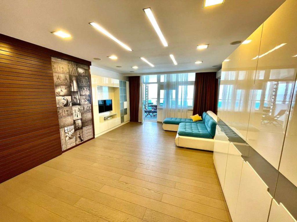 Апартаменты с видом и ремонтом в ЖК Лазурный Элит 20