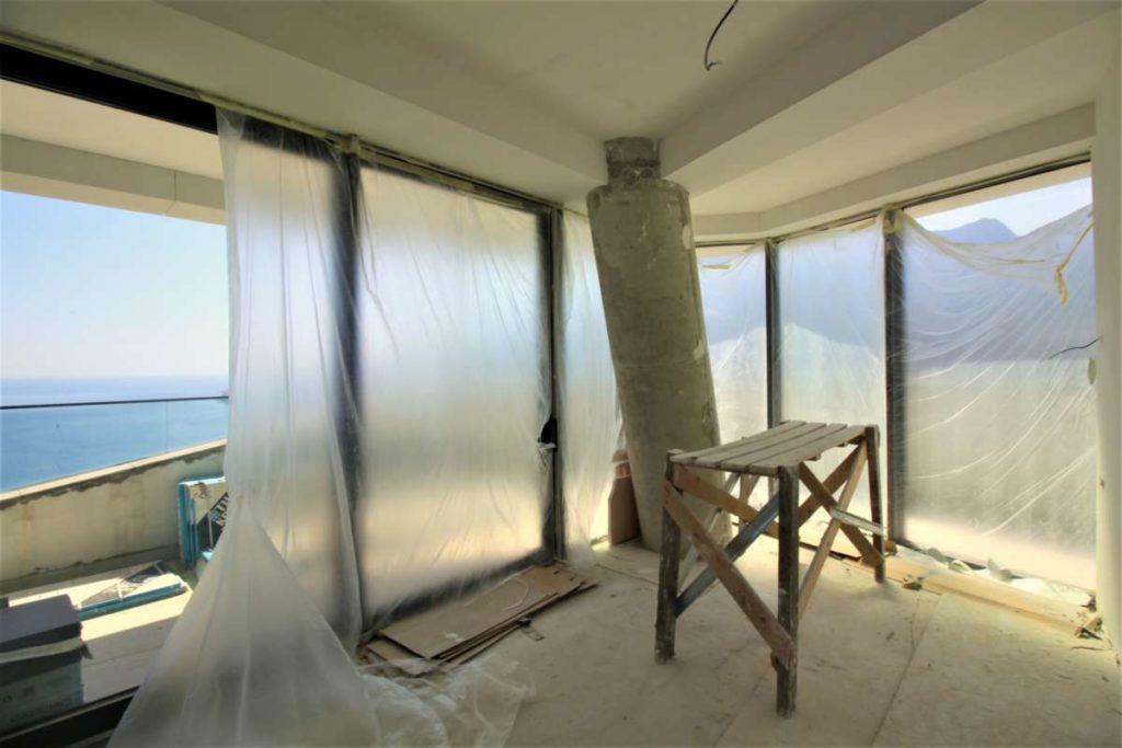 Трехкомнатная квартира в ЖК Гурзуф Ревьера 24